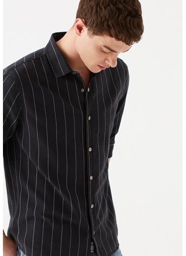 Mavi Çizgili  Gömlek Siyah